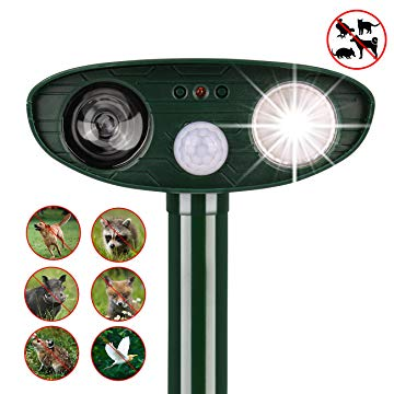 Outdoor Solar Powered and Weatherproof Ultrasonic Dogs and Pest Repeller